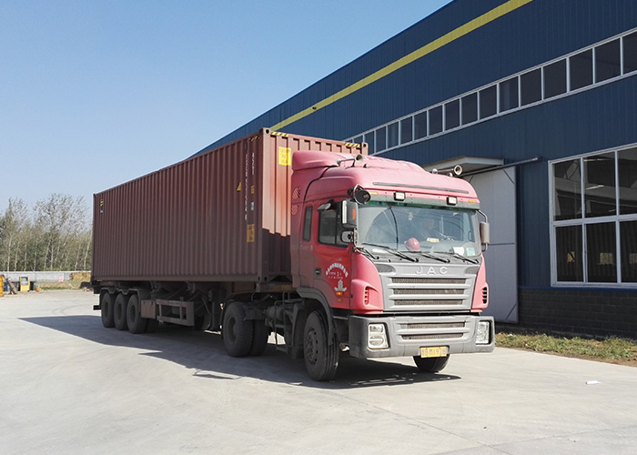 Wolwa Group 4 sets truck crane exported to Iran successfully
